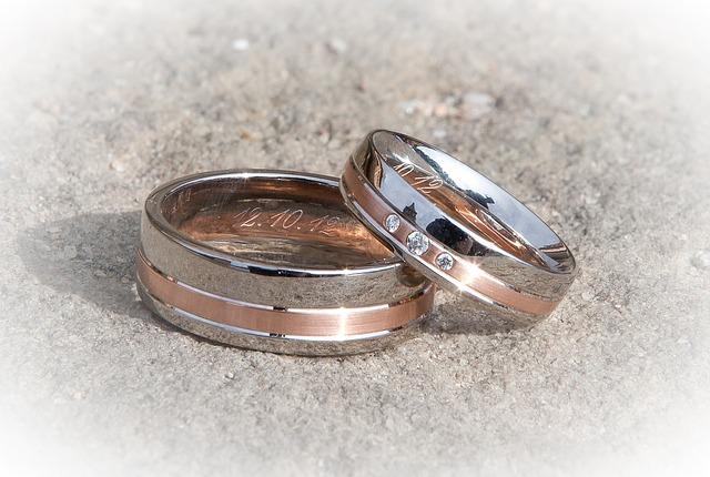 snubní prsteny, kameny, datum
