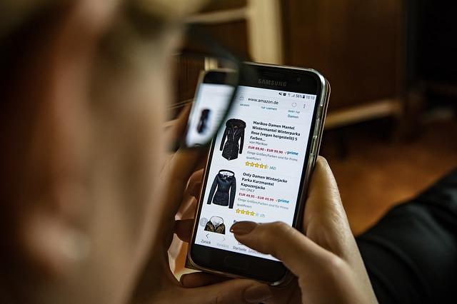 online nakupování oblečení.jpg